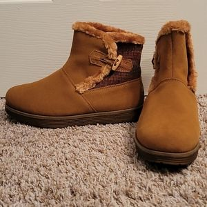 Skechers Adorbs suede sweater boots size 8